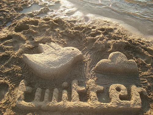 Twitter escultura de arena
